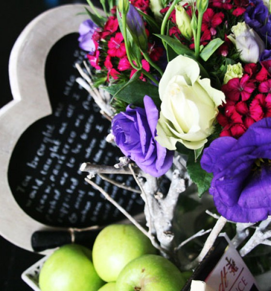 {Gifting} Hamper Favourites: Flowers and Chocs for Mom