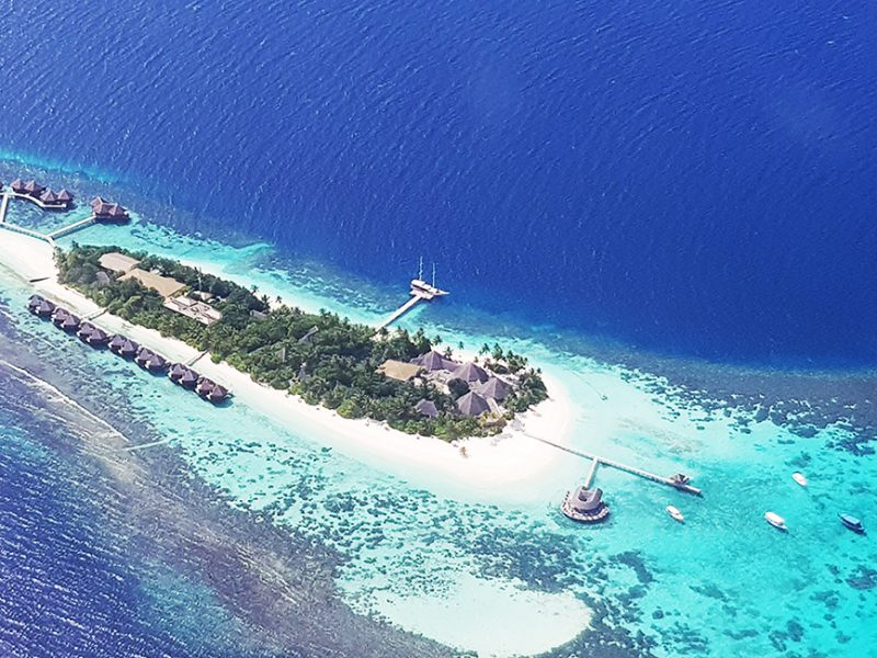 NiQi Travel Guides: A guide to Maldives